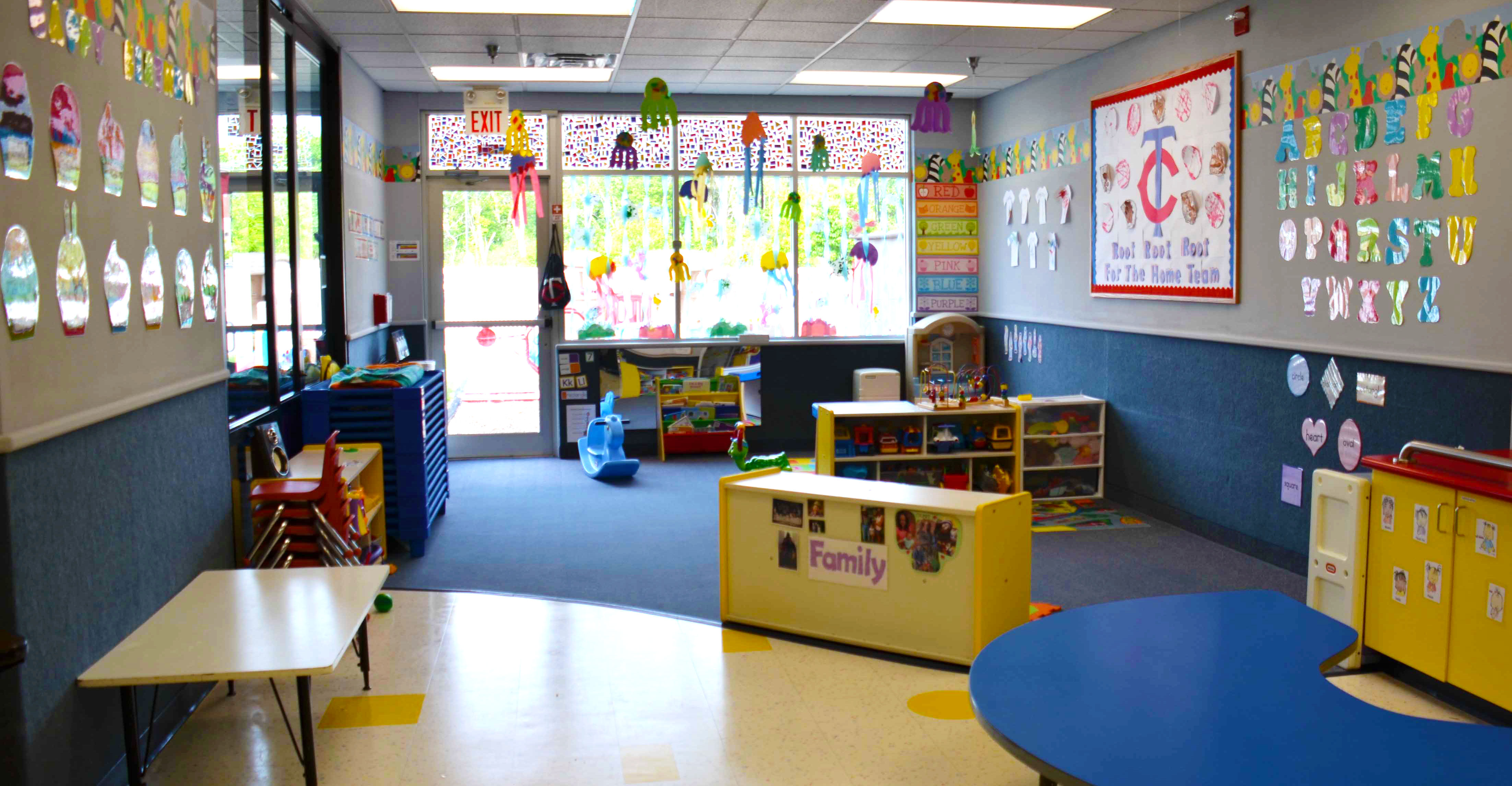 Dawn_of_Discovery_Elk_River_MN_Toddler_Classroom-with-Artwork_Updated.jpg
